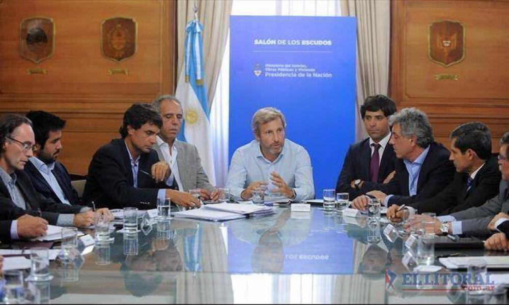 En una cumbre en La Rosada, Corrientes acercó su reclamo por más recursos