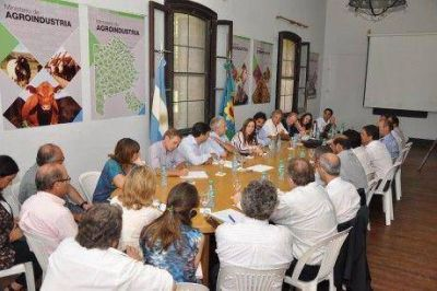 La gobernadora Vidal particip� de la reuni�n del ministerio de Agroindustria de la provincia