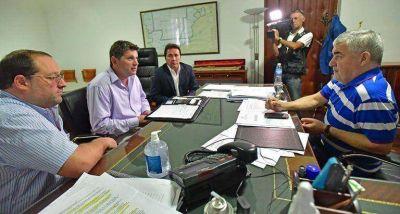 Das Neves confirm� al intendente de Gualjaina la construcci�n de 15 viviendas por obra delegada