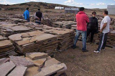"""Autoridades de Fomicruz recorrieron el yacimiento """"Las Lajas"""""""