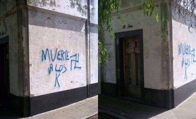 Aparecieron nuevas pintadas nazis: ahora, en el cementerio de La Loma