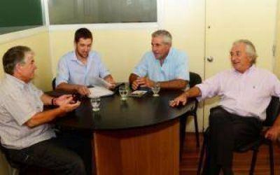 Salliquel�: El Intendente recorre despachos provinciales para mejorar obras