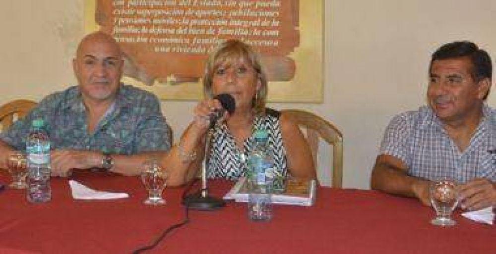 """López: """"El aumento de Nación no está claro"""""""