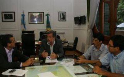 Elustondo se reuni� con intendentes para armar agenda conjunta