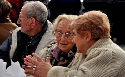 Los jubilados y pensionados bonaerenses cobrarán sus haberes desde el viernes