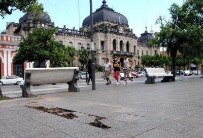La plaza Independencia quedó afuera de las grandes obras del Bicentenario