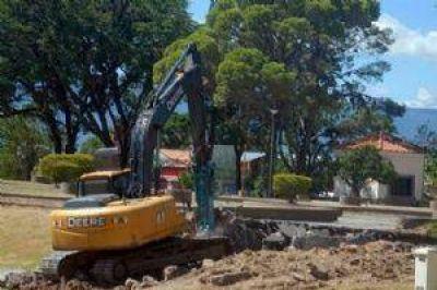 Comenzó la etapa de demolición en el Paseo General Navarro