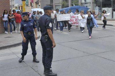 En Salta el protocolo antipiquetes no modificará el modo de acción policial