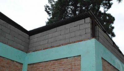 Contin�an los trabajos de mantenimiento en las escuelas municipales