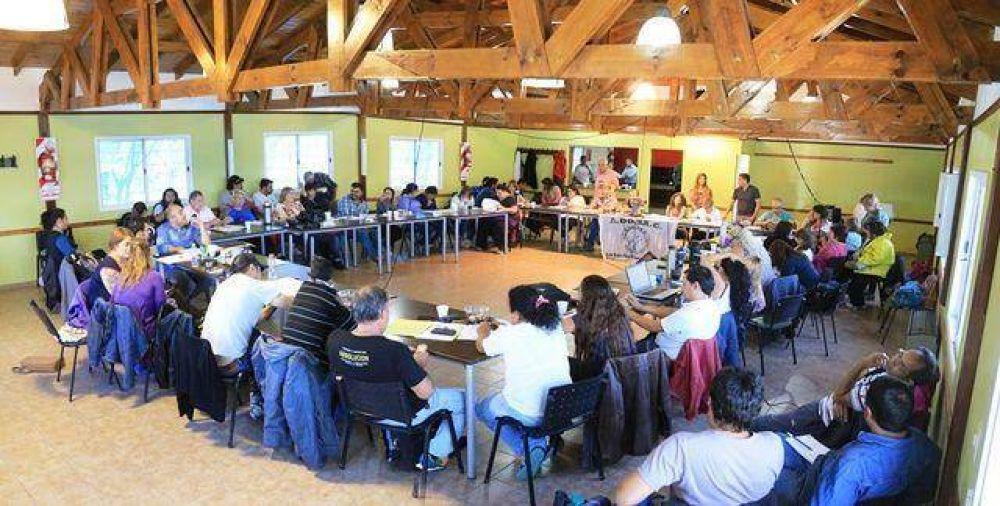 ADOSAC informó que el Gobierno provincial suspendió la paritaria