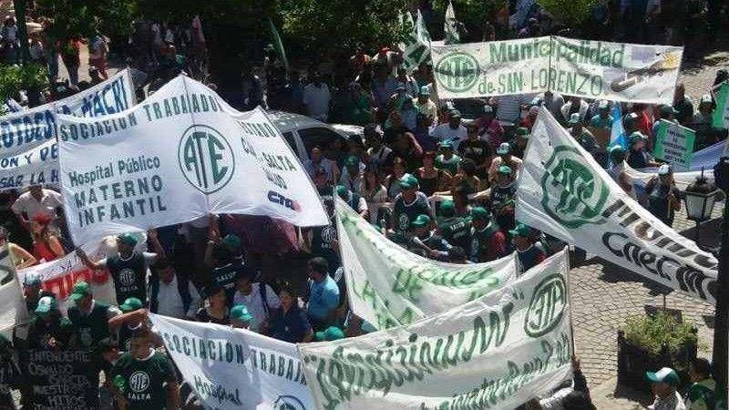 Multitudinaria marcha de ATE en Salta en el primer paro nacional