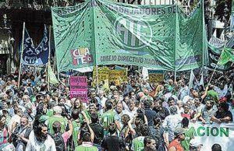 ATE y las CTA concretaron el primer paro nacional contra la gesti�n de Cambiemos