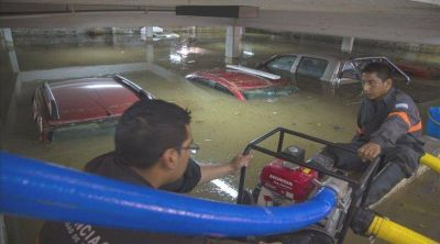 El temporal dejó evacuados, derrumbes y calles anegadas