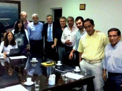 MORALES CONFIRMA PROCESO DE CAMBIO EN AGUA POTABLE Y SANEAMIENTO