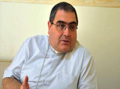 """Mons. Buenanueva: """"No hay una política católica, tal vez un modo cristiano de vivir la política"""""""
