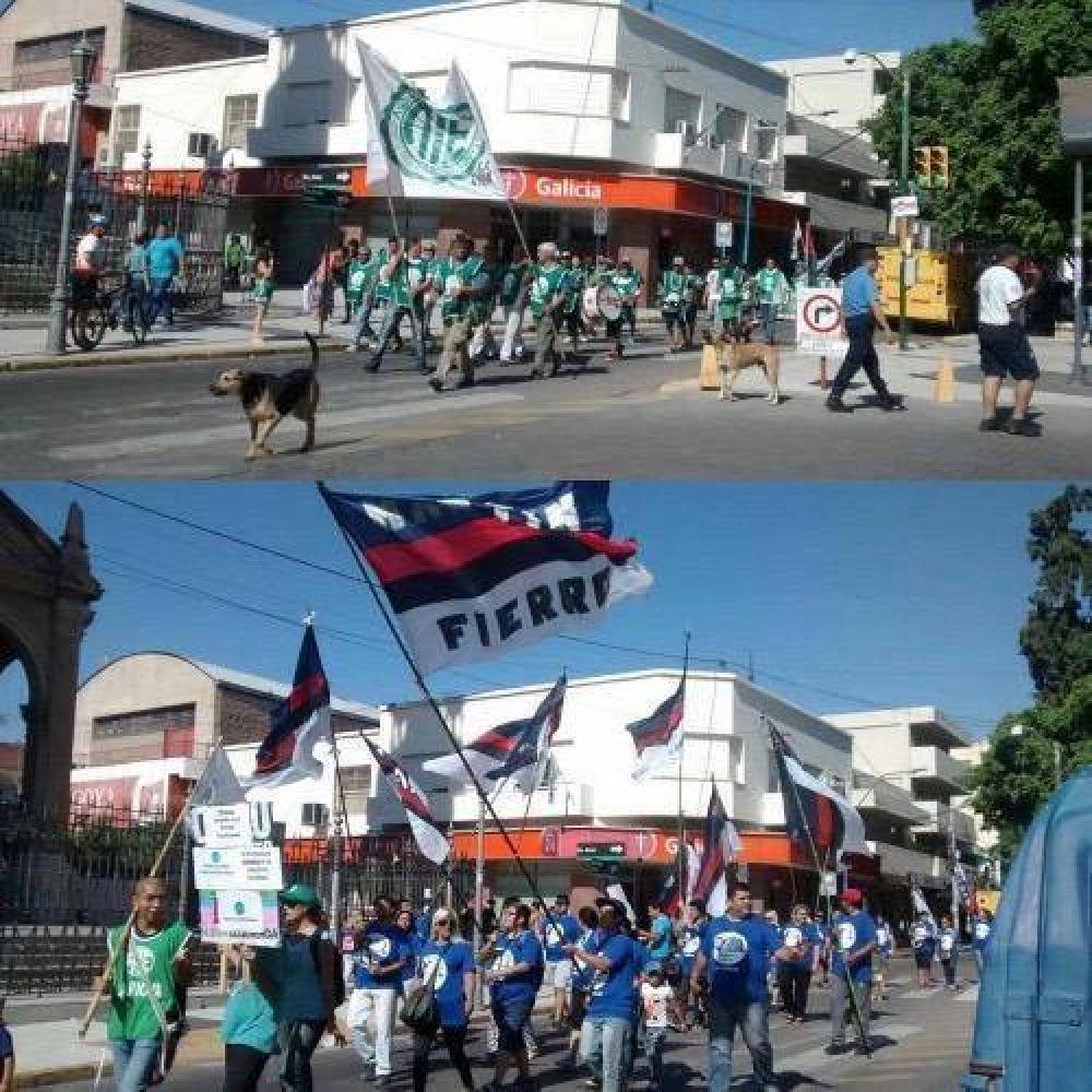 Estatales riojanos marcharon contra las políticas de Macri