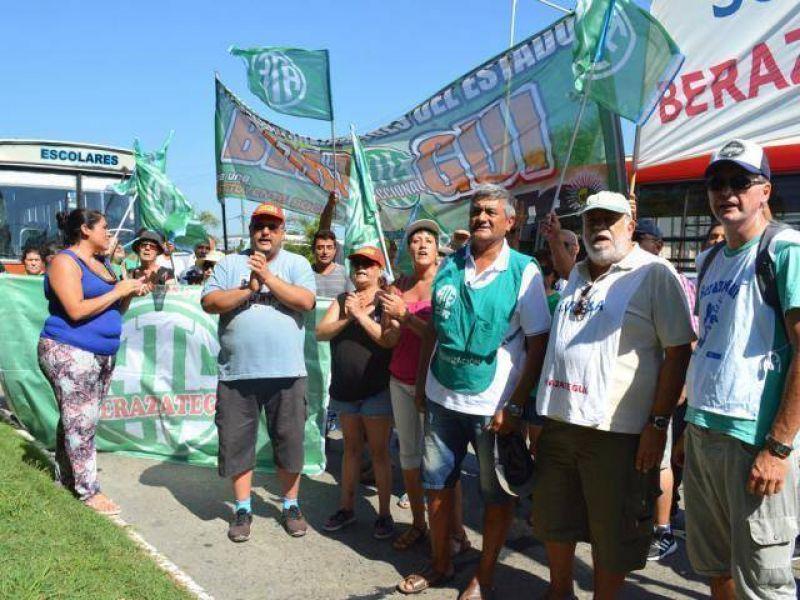 Contundente paro y movilización de trabajadores de ATE