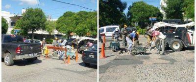 El municipio continúa con los trabajos de bacheo y pavimentación en distintos puntos de la ciudad