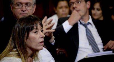 La C�mpora se enoj� con los senadores peronistas, porque apoyaron bajar impuestos a autos de lujo