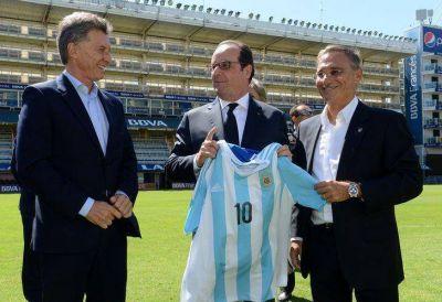 Mauricio Macri llevó a Hollande a La Bombonera