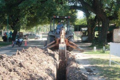 La obra de agua corriente en Adelina Este superó el 60% de ejecución