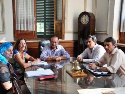 Con agenda abierta, el kirchnerismo se reunió con Sánchez