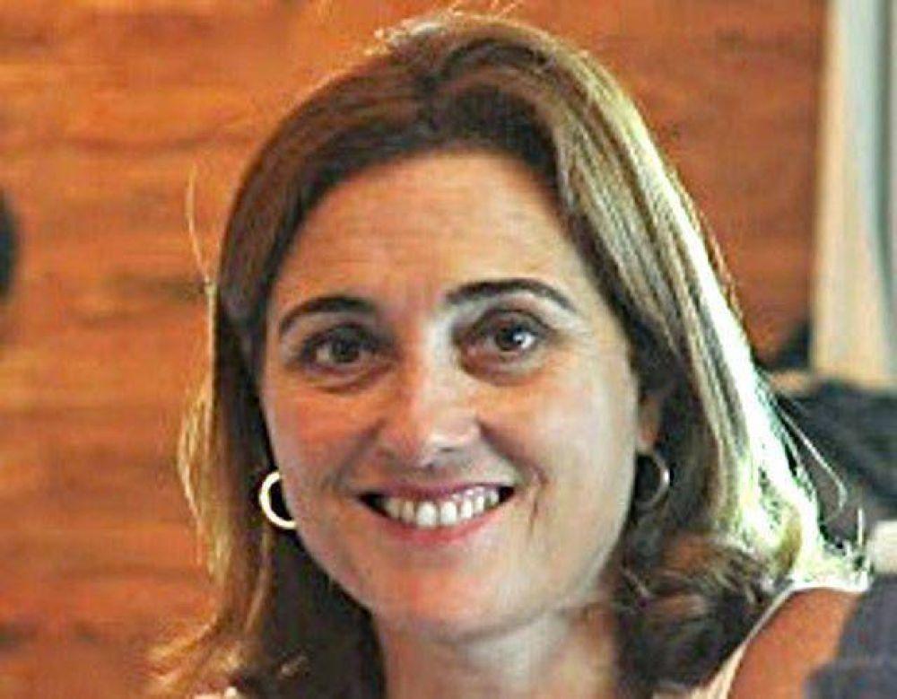 Paula Atlante por Carlos Guari en Comunicación