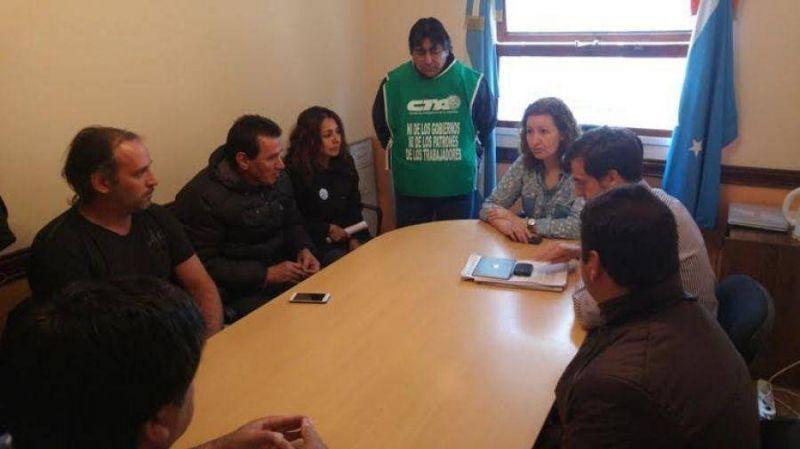 Ipauss: �La soluci�n no es descontarte a los trabajadores�, dijo Urquiza
