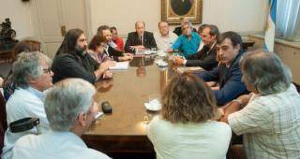 Docentes volvieron a rechazar la propuesta del gobierno