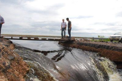 Río V: sigue bajando el caudal que entra a La Pampa