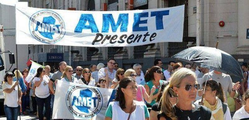 AMET amenazó con concretar medidas de fuerza si el Gobierno retira la oferta salarial