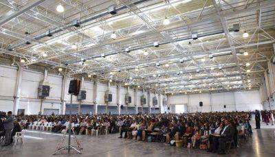 M�s de 2.000 personas congreg� la asamblea de Testigos de Jehov�