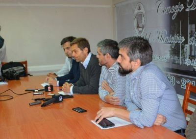 """La UCR pide """"diálogo y defensa de las autonomías municipales"""""""