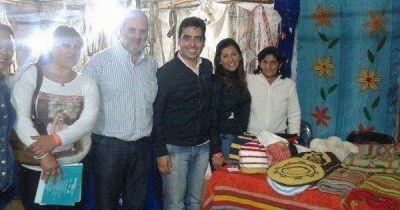 El Coordinador de las SAF visitó a los artesanos durante el Festival en Ojo de Agua