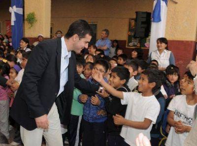 Salta: Urtubey participó del acto por el inicio del ciclo lectivo