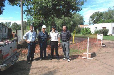 Para interiorizarse sobre el avance de obras de gas natural funcionarios de Obras P�blicas visitaron las localidades