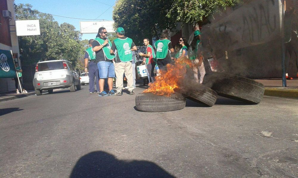ATE protesta frente a la Superintendencia de Riesgos de Trabajo