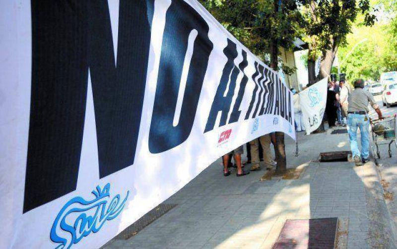 El SUTE presiona al Gobierno de Mendoza para reabrir la discusión salarial