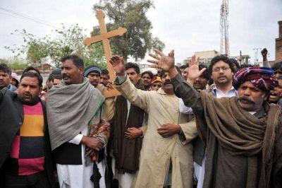 Papa Francisco podría viajar a Pakistán en apoyo a cristianos perseguidos