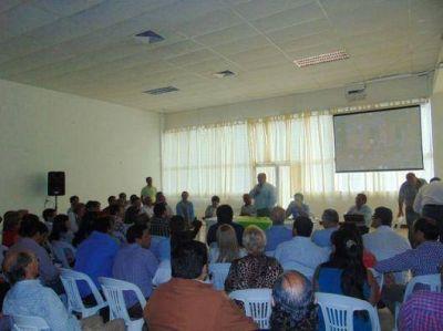 Colombi reunió a intendentes y concejales del radicalismo