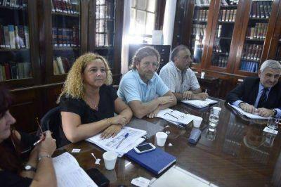 Vidal ofreció 15 por ciento más hasta junio y hay respuestas disímiles