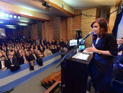 Macri quiere achicar dos emblemáticas centrales eléctricas del kirchnerismo