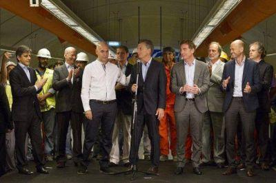Rocca desoye a Macri: echa a cientos de trabajadores y sube los precios