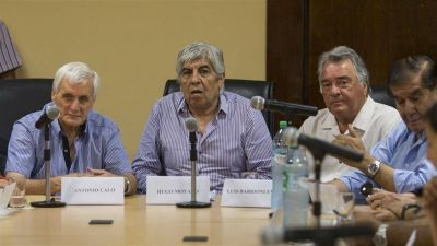 Moyano, Cal� y Barrionuevo, otra vez juntos en una foto de unidad