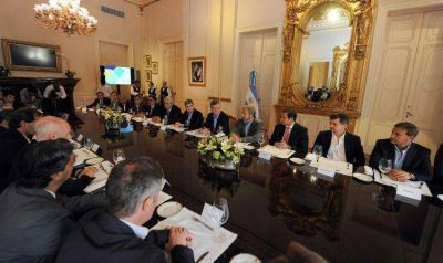 Macri recibió inquietudes de los intendentes de capitales provinciales