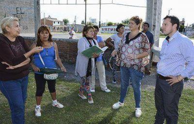 Gobierno trabajará con vecinos para acondicionar el playón de barrio Norte Grande