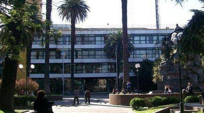 Cuarto intermedio en la negociaci�n salarial de los municipales de San Mart�n