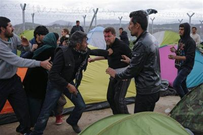 El tironeo entre Turquía y la UE pone en riesgo la suerte de miles de refugiados