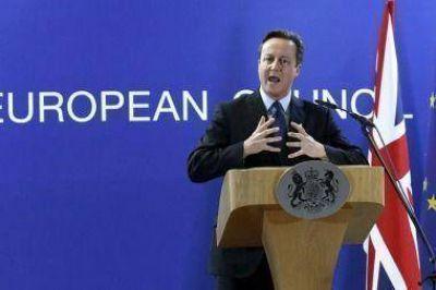 Cameron recuerda que los británicos no tendrán que unirse al proceso de asilo