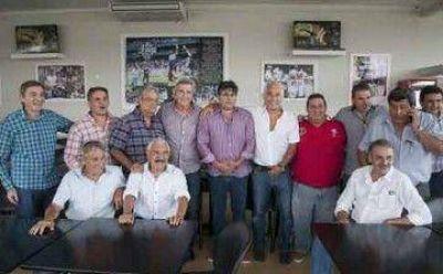 """Encuentro de la """"Perón Vive"""": """"El peronismo viene con un recambio necesario"""""""